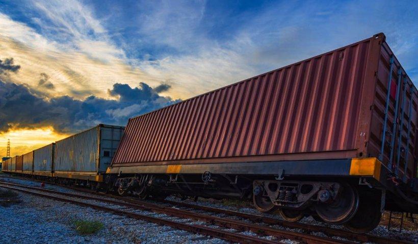 Daună totală la calea ferată ce duce spre Litoral. Circulația trenurilor spre mare, grav afectată după ce un tren s-a descompus în mers