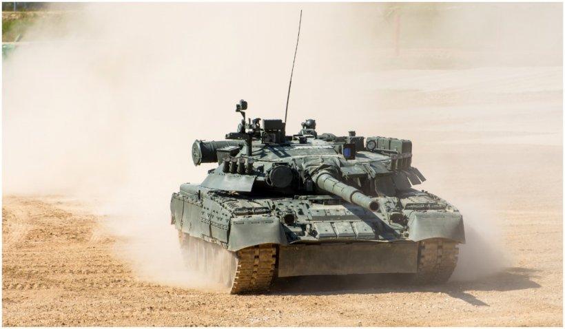 Rusia a adus tancuri în apropierea graniței Afganistanului