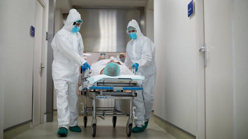 Femeie din Roman, în stare gravă la ATI după ce s-a îmbolnăvit în spital. Se internase pentru o operație banală