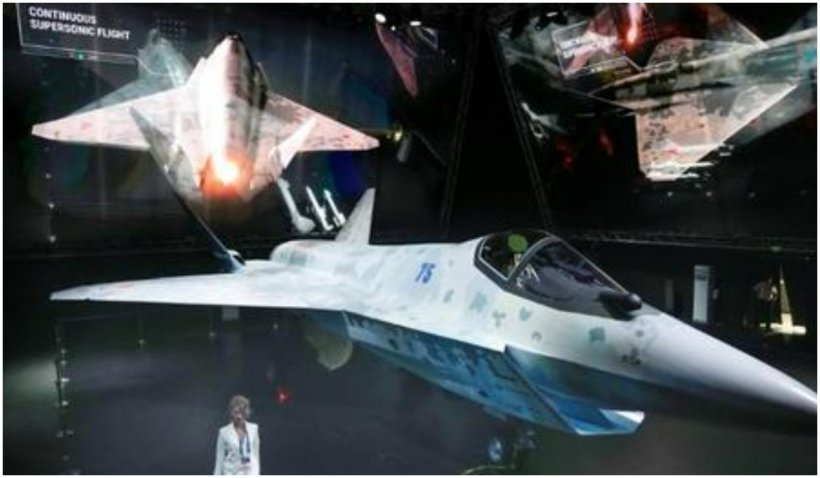 """Rusia a prezentat """"Șah Mat"""", un avion de război de ultimă generație, invizibil pentru radare"""