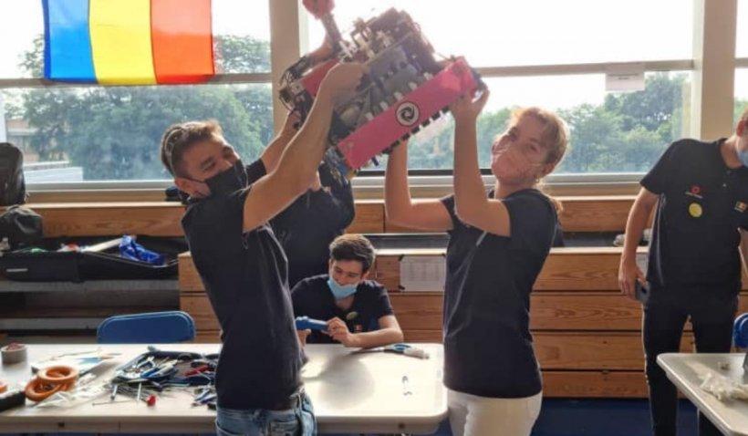 Elevii din echipa de robotică a României s-au întors cu aur din SUA. A fost prima dată când Campionatul Internațional nu a fost câștigat de americani