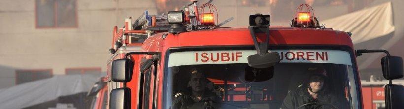 Incendiu la o hală de reciclare din Ilfov, 10 persoane sunt rănite, din care şase au arsuri şi sunt intubate