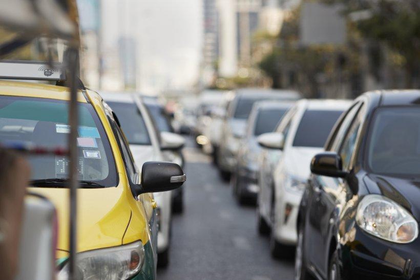 Cum ați putea evita aglomerația de la Autostrada Soarelui. Sfaturi utile de la șoferii de pe A2