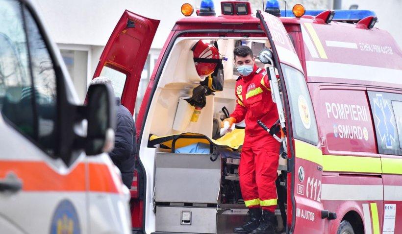 Carambol cu 3 autoturisme pe Autostrada A2, pe sensul de mers spre Bucureşti. Două persoane au fost rănite