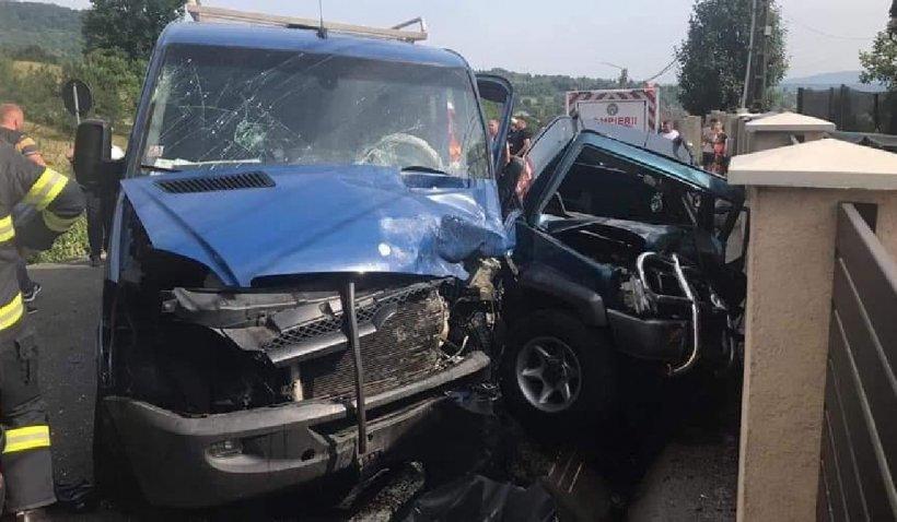 Accident cumplit cu trei maşini la Baia Sprie. O tânără de 19 ani a rămas încarcerată