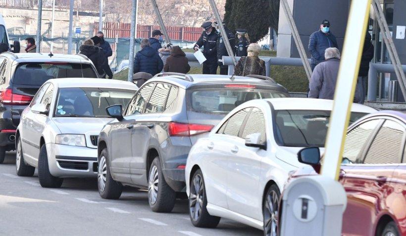 Un craiovean a fost taxat 70 de ori pentru o oră de parcare. S-a trezit fără bani în cont