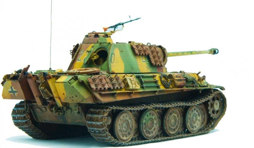 Ce pedeapsă ar urma să primească un german de 84 de ani, care ținea un tanc Panther în pivniță