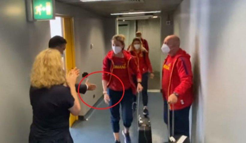 """Ministrul Sportului, explicații după ce Ana Maria Popescu l-a lăsat cu mâna întinsă: """"Interpretarea declarațiilor mele a umbrit bucuria pe care o merită pentru medalia obținută"""""""