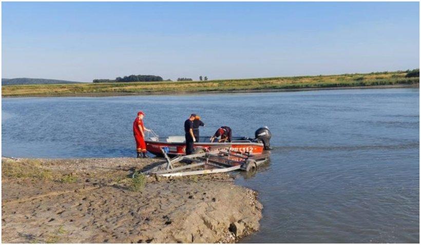 Tragedie la Bacău: Cinci adolescenți s-au înecat în apele Siretului, în ciuda intervenției dramatice a echipelor de salvare