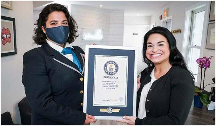 Numai gura e de ea: o femeie a intrat în Cartea Recordurilor pentru cea mai mare gură din lume