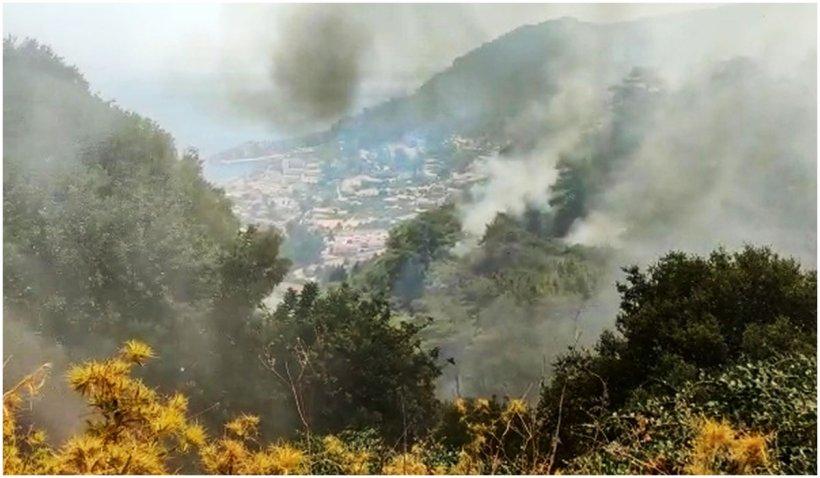 """Românii în Rhodos, fără aer condiționat și mâncare la temperaturi de peste 37 de grade Celsius: """"A fost un haos total"""""""