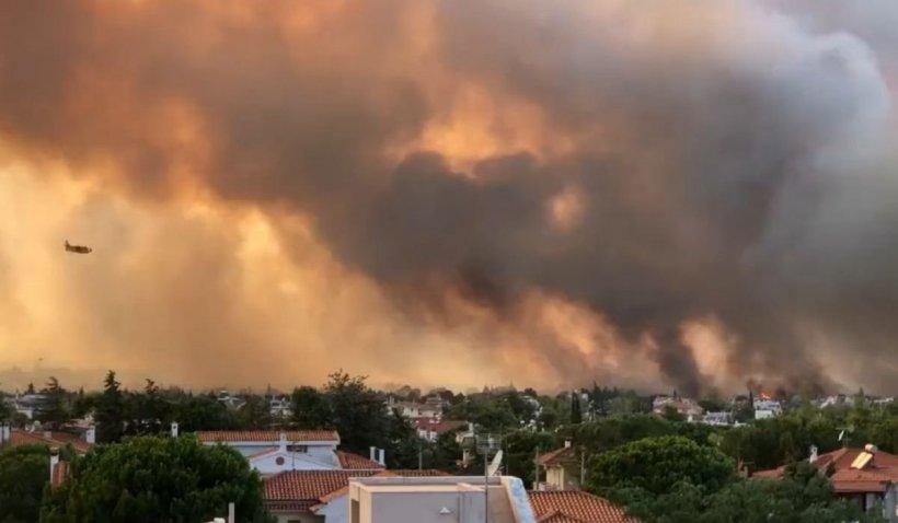 Incendiu scăpat de sub control în Atena. Capitala Greciei este în alertă