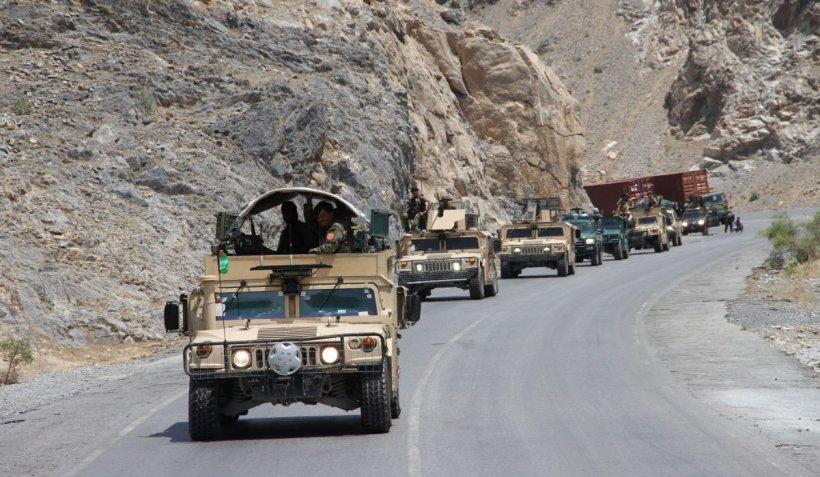 """Talibanii afgani, la un pas să captureze prima capitală de provincie. Mesajul armatei către rezidenți:""""Fugiți din oraș!"""""""
