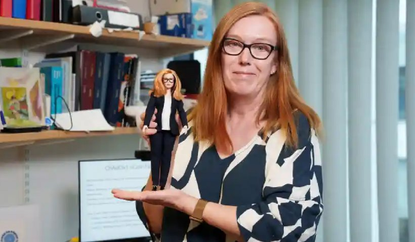 """O păpușă Barbie va căpăta chipul lui Sarah Gilbert, una din creatoarele vaccinului Astra Zeneca : """"Vreau să inspir următoarea generație de fete în cariere STEM"""""""
