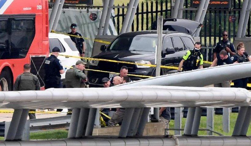 Polițistul de la Pentagon a murit după ce a fost înjunghiat. Atacatorul a fost ucis