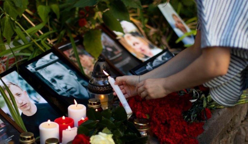 """Sute de exilați din Belarus s-au adunat la un priveghi în memoria disidentului spânzurat: """"Când Lukașenko va fi arestat, vom afla adevărul"""""""