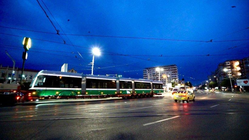 Tramvaiele noi de la Iași nu pot fi folosite. Peroanele sunt prea lungi și prea înalte