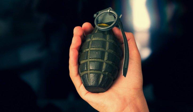 Un bărbat a vrut să zboare din Frankfurt la Washington cu o sculptură în formă de grenadă în bagaj