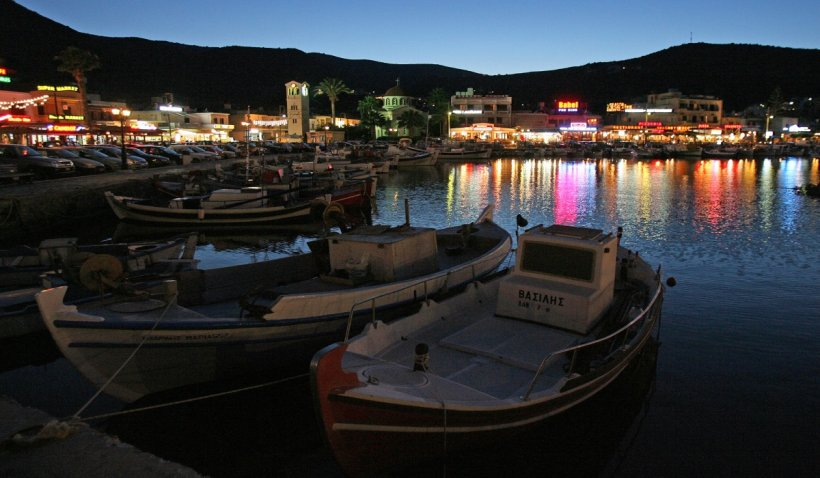 Circulaţia nocturnă, interzisă pe unele insule grecești, după creșterea alarmantă a numărului de îmbolnăviri cu COVID-19
