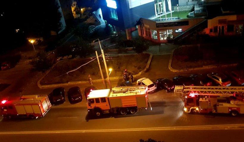 Trei maşini de pompieri, chemate la un incediu care nu exista. O gospodină cocea vinete, la Constanţa