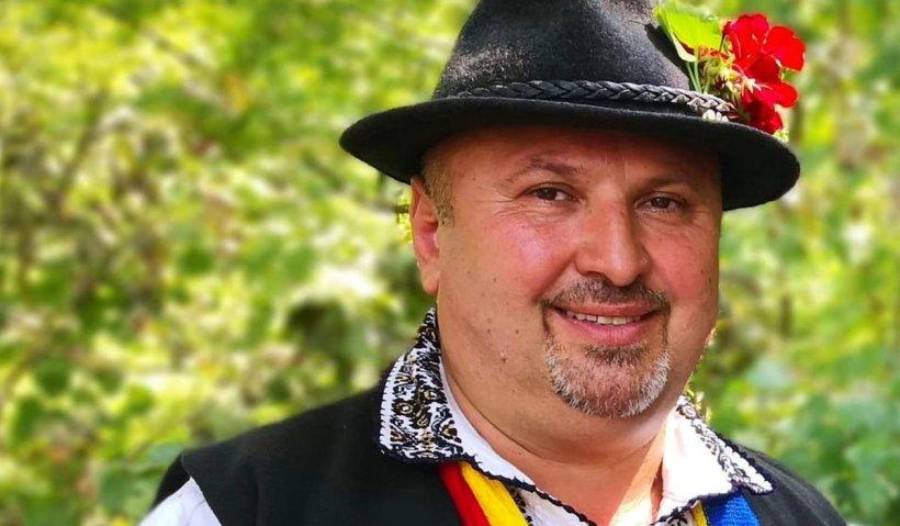 """A murit cântărețul de muzică populară Alexandru Rusu. """"S-a stins în brațele soției și ale celor două fiice"""""""
