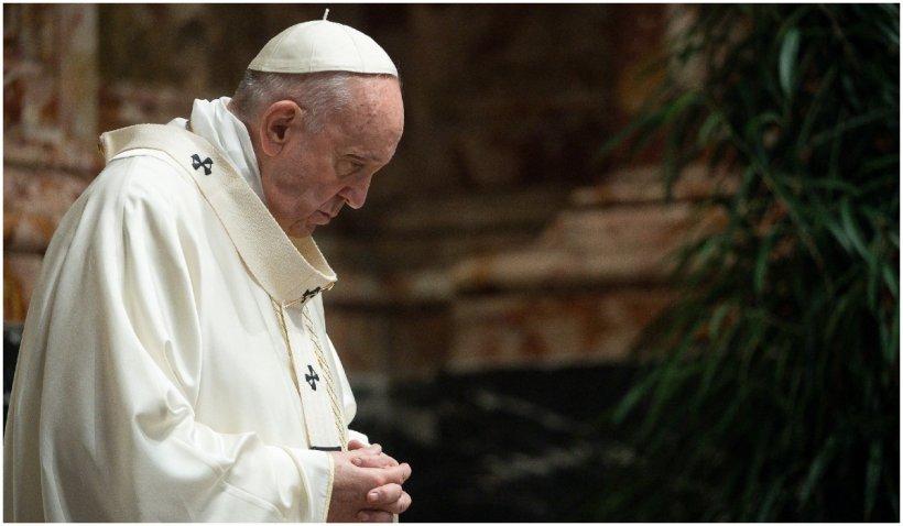 Panică la Vatican: Un plic care conținea trei gloanțe, adresat Papei Francisc