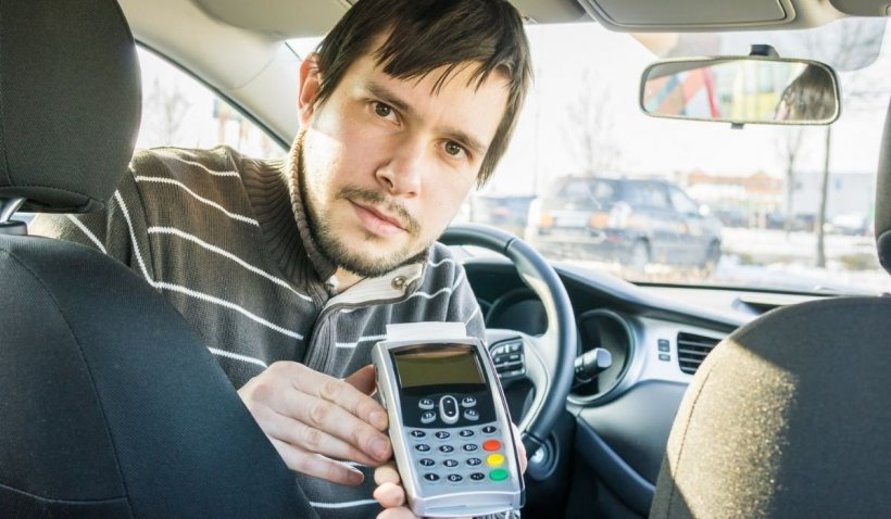 Un român s-a plimbat două ore cu taxiul prin Torino, fără să aibă bani la el. Cum a reacționat șoferul?