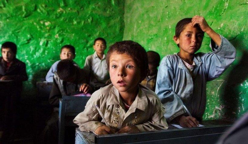 """Fotografii sfâșietoare din țara desemnată """"cel mai rău loc de pe Pământ pentru copii"""", unde au murit 27 de micuți din cauza războiului, în doar ultimele 3 zile"""