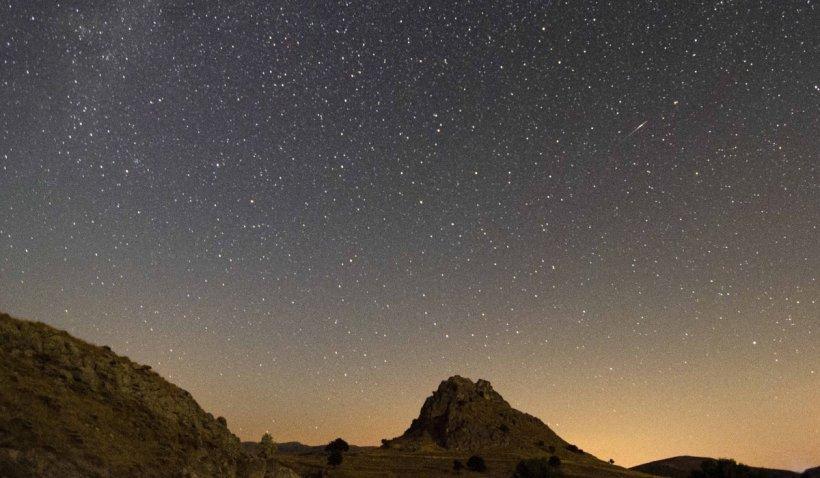 """Perseidele 2021. Ploaie de stele în noaptea de joi spre vineri: """"Nu prea contează în ce direcție priviți, cât timp nu vă uitați în Pământ sau la telefon"""""""