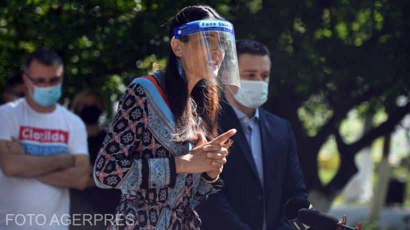 """PSD strânge semnăturile necesare Referendumului pentru demiterea lui Clotilde Armand: """"Incompetenții să plece acasă!"""""""