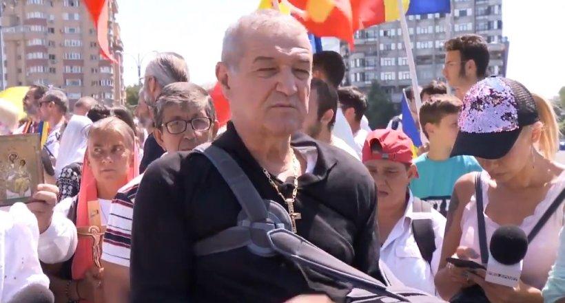 """Gigi Becali participă la Marşul Normalităţii, duminică: """"Vom merge să curățim drumurile de duhurile necurate. Cu agheasmă, cruci și cântece de biruință"""""""