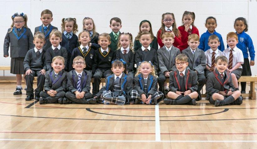 15 pereche de gemeni vor începe școala în aceeași clasă. Fotografia cu viitori elevi, din Scoția, a ajuns virală