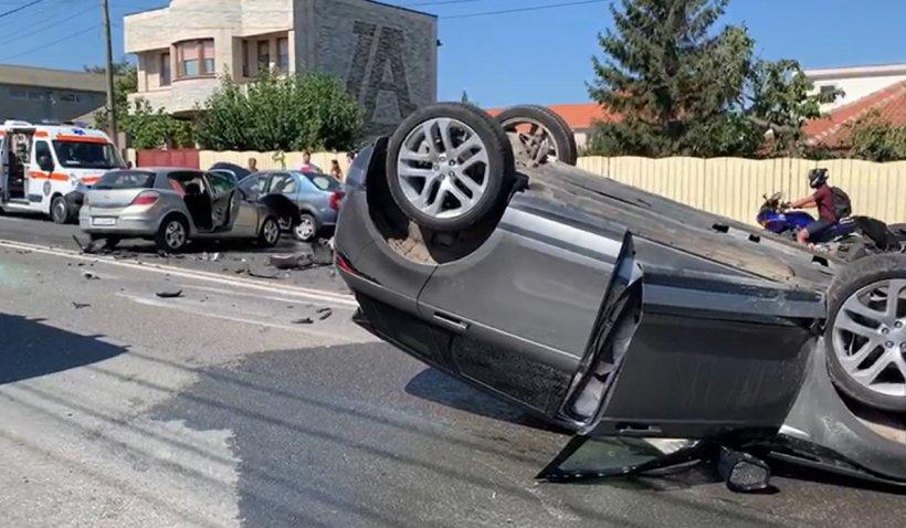 Accident grav cu trei autoturisme, în Tuzla. Printre victime se află și un copil de 7 ani