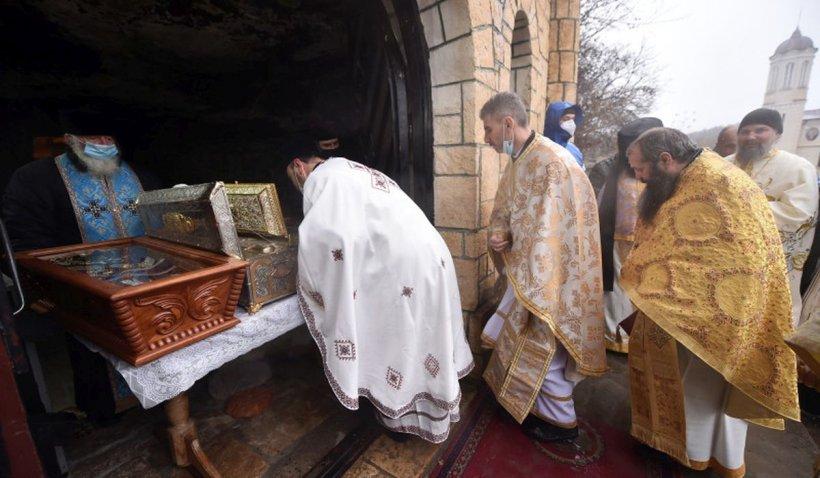 Un tânăr din Galaţi s-a ales cu dosar penal după ce a fugit din carantină, ca să se roage la mănăstire