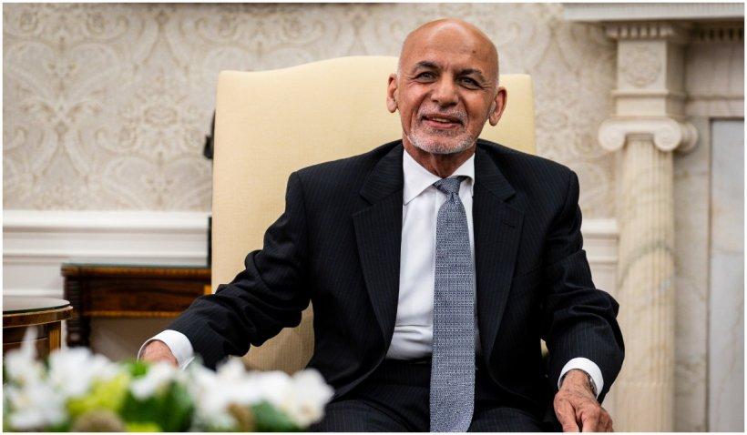 Fostul președinte afgan, Ashraf Ghani, a părăsit țara cu 169 milioane de dolari