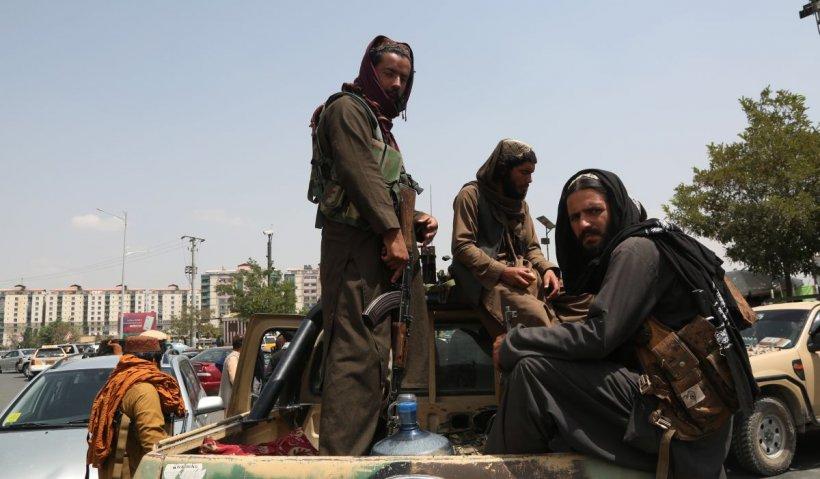 Viața în Kabul, la trei zile după ce talibanii au preluat controlul: femeile au dispărut de pe străzi