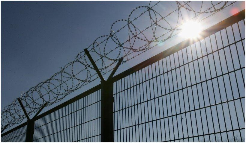 Lituania a anunţat că în septembrie 2022 va finaliza ridicarea gardului la frontiera sa cu Belarus pentru a opri migranții