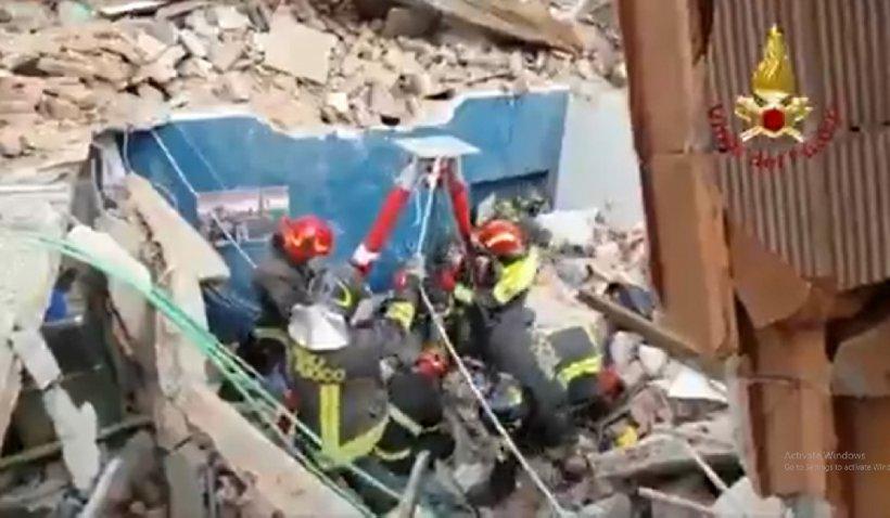 Un bloc în care locuiau mai multe familii de români s-a prăbușit la Torino. Un copil de 4 ani a murit