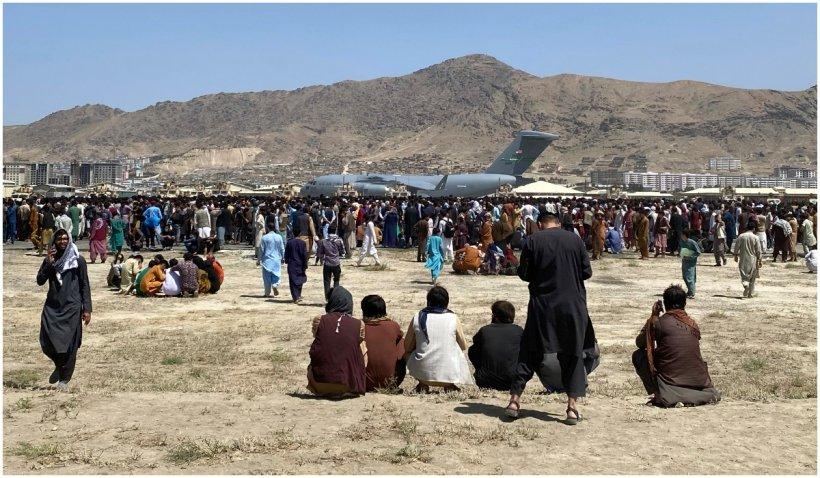 După bombardamentele din Kabul, nu or să poată fi evacuați toți americanii