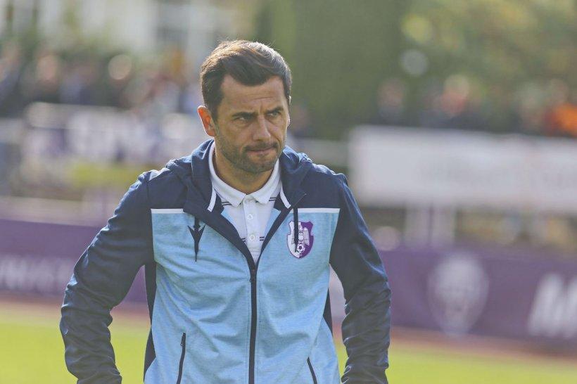 Nicolae Dică are COVID-19 şi va rata meciurile echipei naţionale. Antrenorul a fost vaccinat în februarie