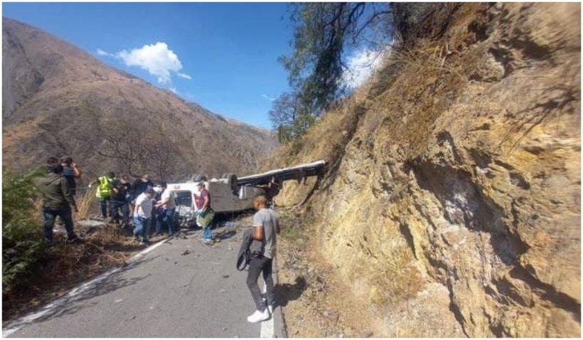 Grav accident în Peru: cel puțin 15 morți după ce un autobuz a căzut într-o prăpastie