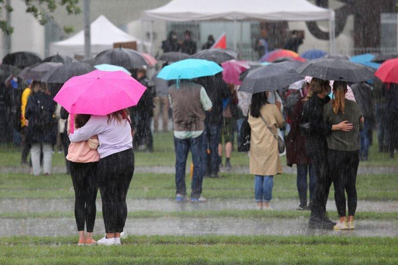 Alertă meteo cod portocaliu de vreme severă îmediată.Vijelii puternice și ploaie torențială