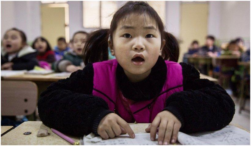 China interzice examenele scrise și temele pentru copiii de șase și șapte ani din ciclul primar