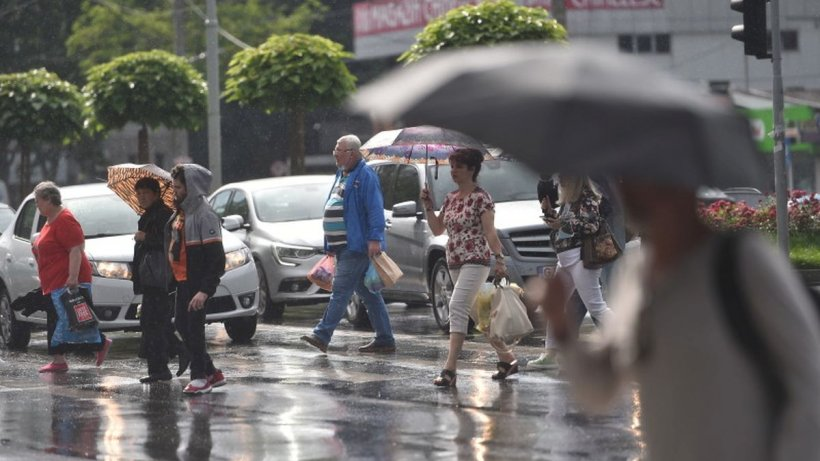 Frig și ploi în luna septembrie. Prognoză meteo pentru următoarele patru săptămâni