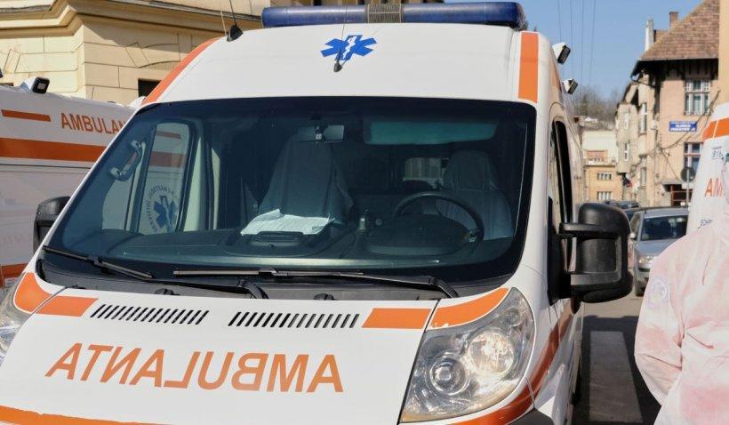 Un român din Italia a încercat să fure o ambulanţă, după ce l-a ameninţat pe şofer cu o sticlă de bere