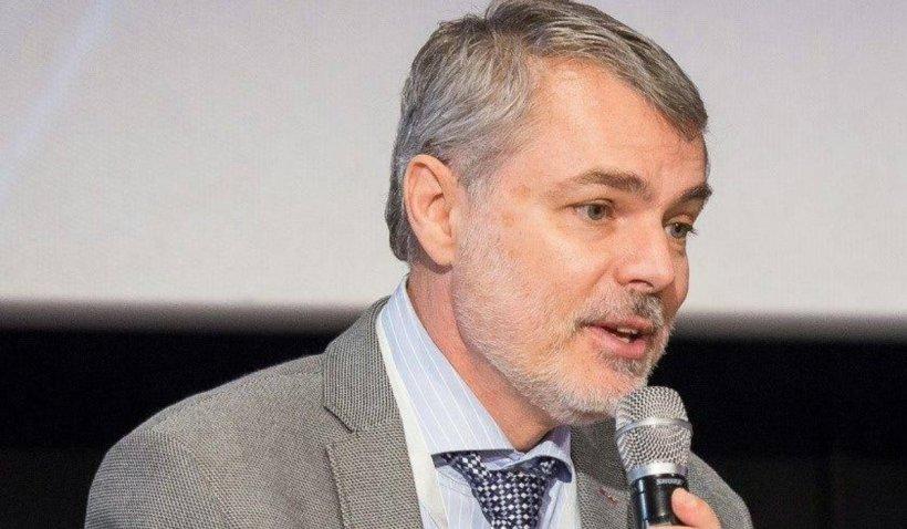 """Medicul pediatru Mihai Craiu, mesaj pentru părinți: """"Roșu în gât are rareori nevoie de antibiotic"""""""