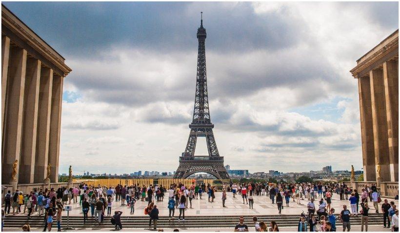 Franța nu le mai permite americanilor nevaccinați accesul în țară