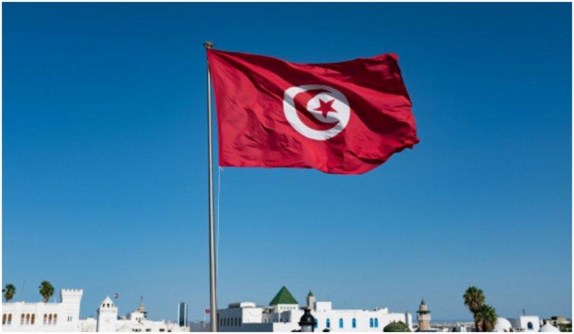Un bărbat a murit după ce s-a autoincendiat în capitala Tunisiei