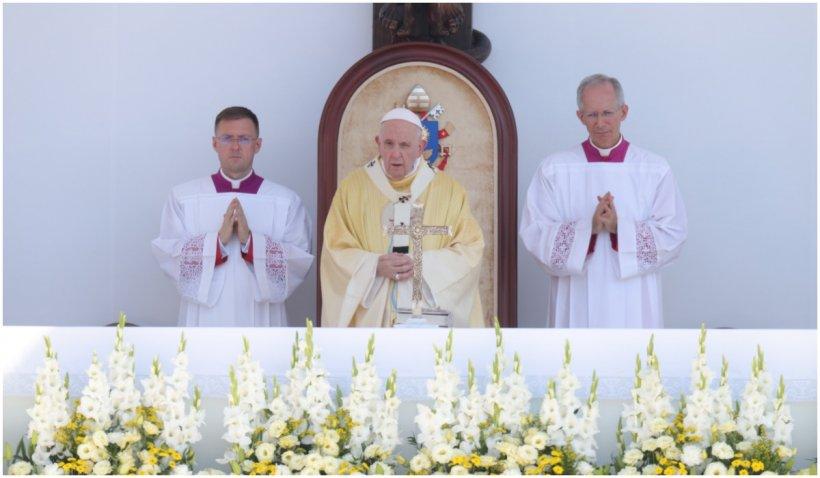 "Papa Francisc la Budapesta: ""Antisemitismul este un fitil care trebuie stins"""