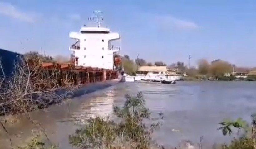 Accident naval în Delta Dunării. Trei ambarcațiuni de agrement au fost distruse de o navă străină rămasă fără motor